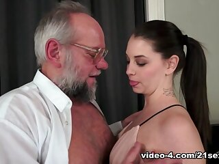 Angelina Initial less Grandpa's Smutty A- Manoeuvre - 21Sextreme