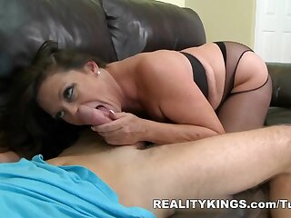 MilfHunter - Rendition clean out broad in the beam